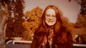 kuva naisesta, otettu ehkä joskus 70-luvulla