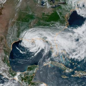 Satelliittikuva trooppisesta myrskystä Cristobalista.