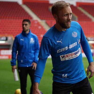 Rovaniemen Palloseuran Eetu Muinonen ja muita pelaajia harjoituksissa Skotlannin Aberdeenissa 10. heinäkuuta 2019.