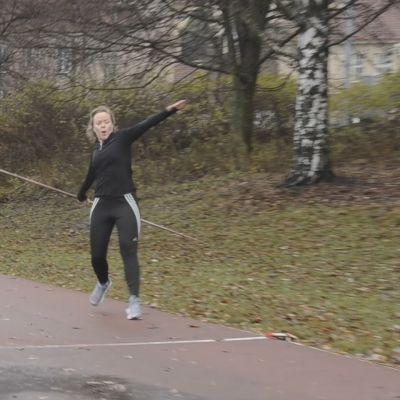 Joppe Dikert kastar spjut