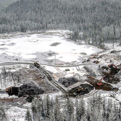 Talvivaaran kaivoksen jätevesialtaan vuoto pohjoisessa on kaivosyhtiön mukaan tyrehtynyt.