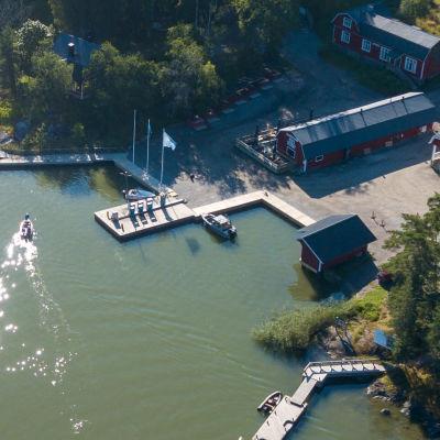 Småbåtshamen i Barösund