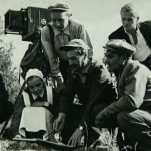 Ville Salminen ohjaa Evakkoa (1956).