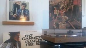 Bob Dylan-skivor och en skivspelare