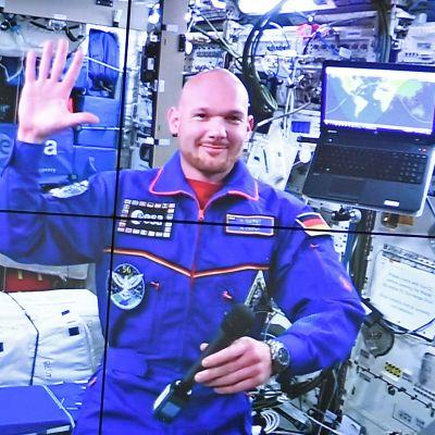 Astronautti Alexander Gerst avaruudessa.