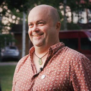 Uusiseelantilainen kirjailija Grant Nicol