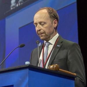 Jussi Halla-aho Perussuomalaisten puoluekokouksessa