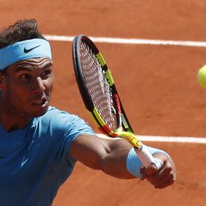 Rafael Nadal är tennisstjärna.