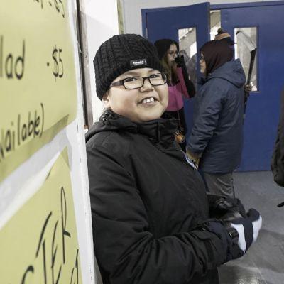 11-vuotiaalle Autumnille Attawapiskatin jääkiekkoturnaus on yksi vuoden kohokohdista.