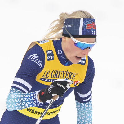 Anne Kullönen skidar klassiskt.