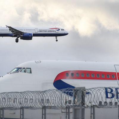 British Airways lentokoneita Heathrown lentokentällä.