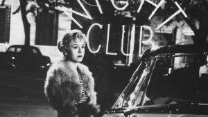 Giulietta Masina elokuvassa Cabirian yöt.