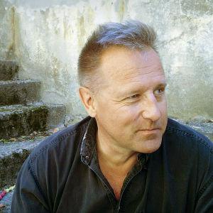 Kirjailija Reijo Mäki