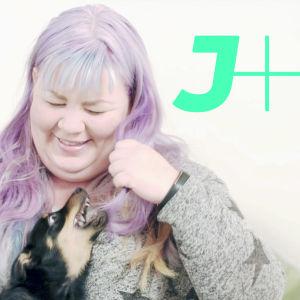Jenny Lehtinen ja koiranpentu