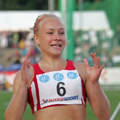 Ella Räsänen vinner FM-guld på 100 meter 2011.