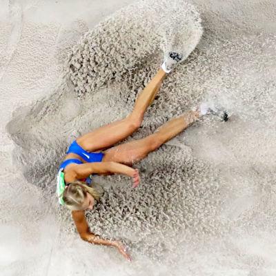 Darja Klisjina hoppar längd i OS i Rio 2016.