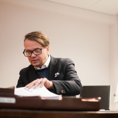 Kuopion kaupungin terveysjohtaja Jari Saarinen.