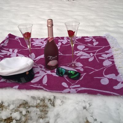 Piknikpeitto lumihangessa