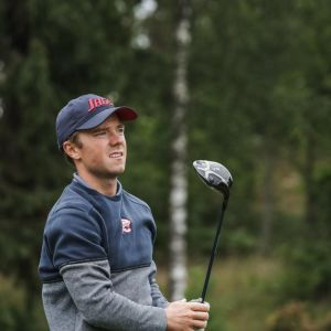 Golfaren Rasmus Karlsson blickar framåt.
