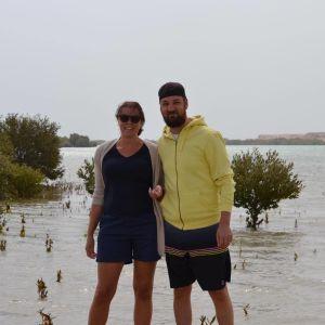 Johanna Winberg och hennes pojkvän i Qatar.
