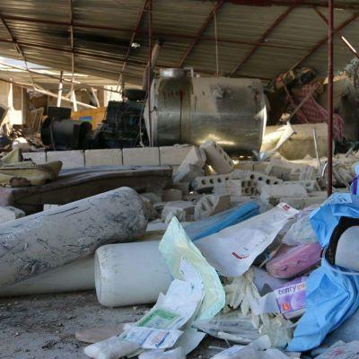 Bombat sjukhus i Idlib, Syrien