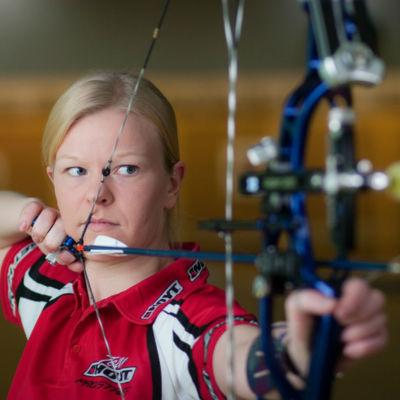Bågskytten Anne Lantee stod för årets bästa idrottsprestation i Sjundeå ifjol.