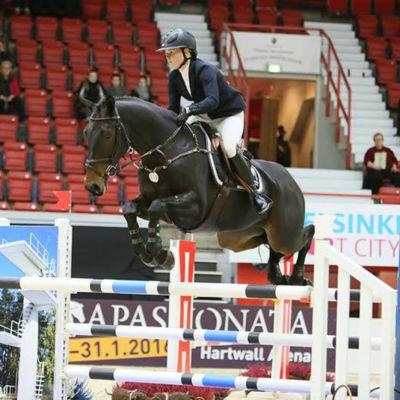Janina Kvarnström och hästen Davina HX.