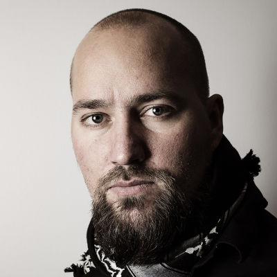 Porträtt på fotografen Niklas Meltio
