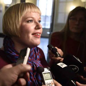 Familje- och omsorgsminister Annika Saarikko (C).
