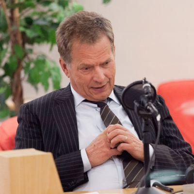 Tasavallan presidentin kyselytunti - suora lähetys Yle Radio 1:ssä lauantaina 2.12.2017. Kuvassa Sauli Niinistö.