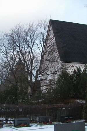 Sjundeå kyrka i vinterskrud.