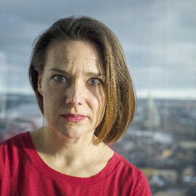 Vad för slags människa växer fram ur ett system där vi förväntas vara enbart ekonomiska aktörer? Undergången är en radioessä av Ulrika Nielsen (bilden).
