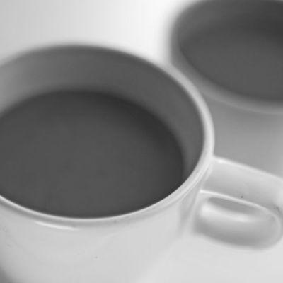 Kaffei i kaffekopp.