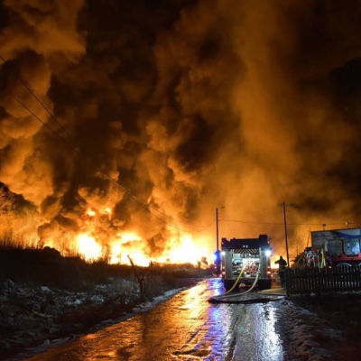 Brand i centrum av Påmark.