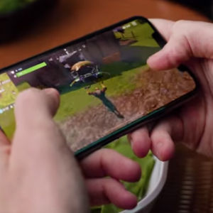 Spelet Fornite Battle Royale på mobilen.