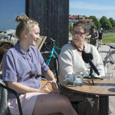 Jämställdhetskämparna Ina Kauranen och Marianne Laxén
