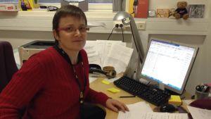 bodil lindholm är närståendevårdskoordinator i kyrkslätt