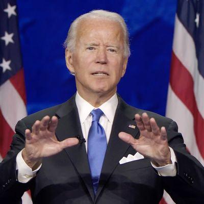Joe Biden pitämässä vaalipuhetta.