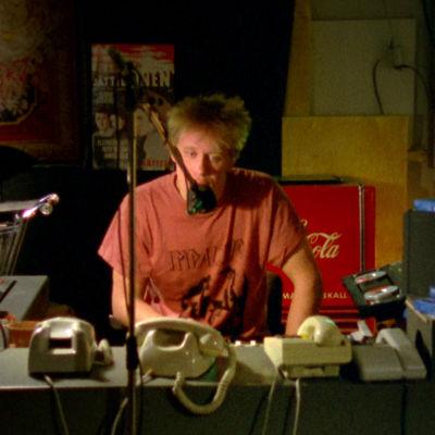 Martti Syrjä Mika Kaurismäen tv-elokuvassa Yötyö (1988).
