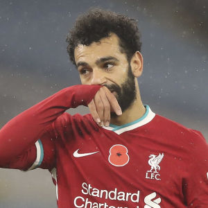 Mohamed Salah torkar näsan.