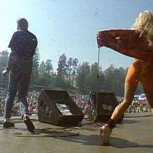 Matti Nykänen esiintyy 1992.