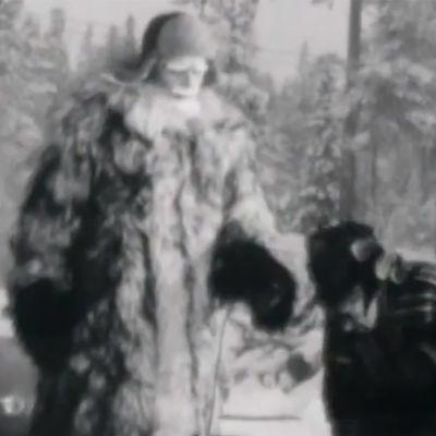 Joulupukki vuoden 1965 uutisvideolla.