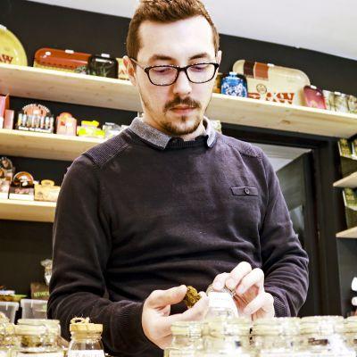 Kevin Goumet omistaa useita CBD-kauppoja Belgiassa.