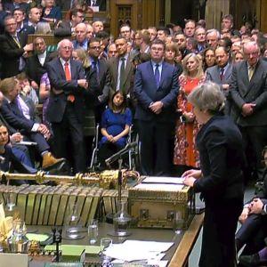 Premiärminister Theresa May talar i det brittiska parlamentets underhus