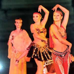 Tanssijoita Gizan pyramidilla Egyptissä