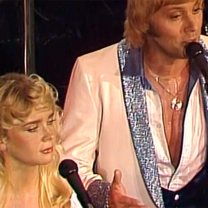 Armi ja Danny esiintyvät (1982).