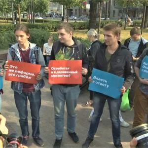 Demonstration mot pensionsreform i Moskva.
