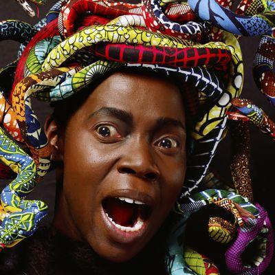Rajaus kuvasta: Yinka Shonibare CBE: Läntinen Medusa (2015)