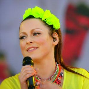 Erin esiintymässä vuoden 2014 Ruisrockissa