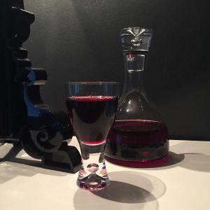 Tapio Wirkkalan suunnittelema Tapio -lasi ja -karahvi